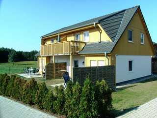 **300m zum Ostseestrand**Bj.06, Südterrasse/Balkon Blick aufs Haus