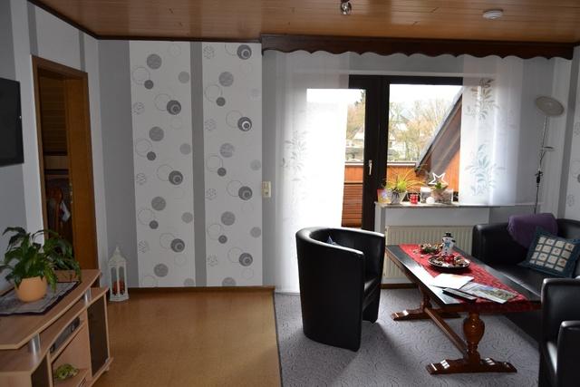 Wohnzimmer DG.Blick zur Loggia