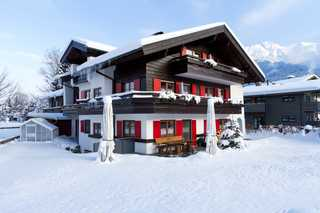 Landhaus Fliegenpilz Außenaufnahme im Winter