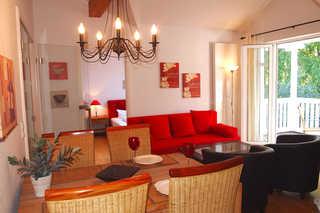 Residenz an der Prorer Wiek Ferienwohnung 12 offener Wohnbereich mit Schlafcouch