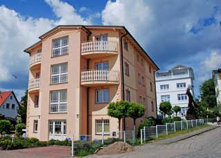 Villa Vitalis - Appartements und Wellness auf Rügen Außenansicht