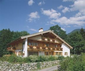 Gästehaus R. + W. Lesch, Kreuth-Riedlern Gästehaus Lesch Hausansicht