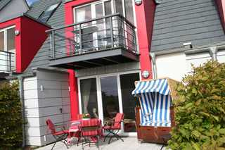 Deichhaus Brisinga Terrasse mit Strandkorb