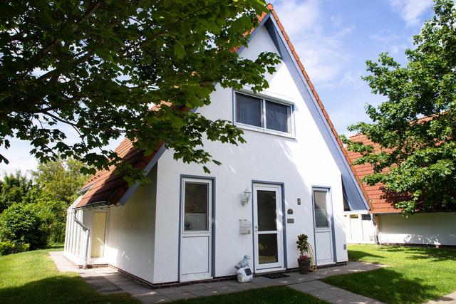 Haus von vorne mit Eingang