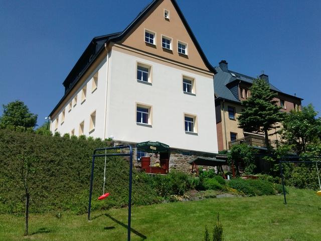 Spitzers Ferienwohnungen Oberwiesenthal Unser Haus mit Garten