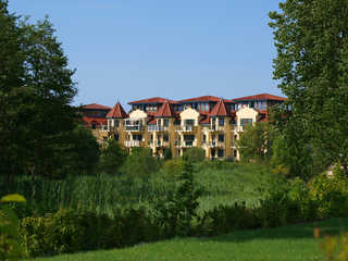 (Brise) Ferienanlage Seepark Bansin Haus 25 Hausansicht vom Schloonsee