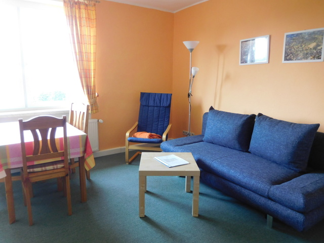 Wohnzimmerschlafcouch in der Wohnung für 3 Pers.
