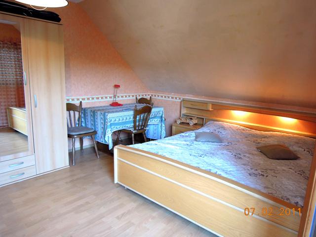 Doppelbett-Schlafzimmer mit Sat-TV Wohnung I