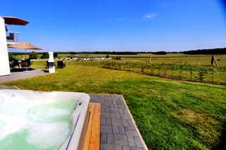 HAUS BELLEVUE / Luxus-EG-Fewo Hauseigener Außenwhirlpool (ganzjährig 38°C) / ...