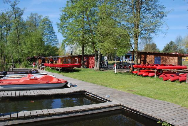Bootsverleih mit Kiosk und Fischräucherei