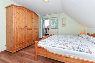 Ferienwohnung Sommerwind in Esens Schlafzimmer 1