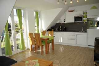 Parkstraße 14 WE 03 Morgentau Küche Essbereich