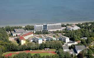 3 Fewos Diedrich **300m vom Ostseestrand entfernt** Luftaufnahme