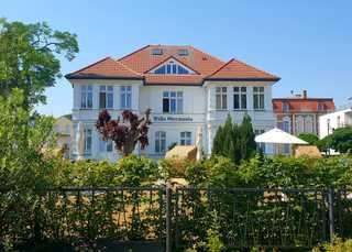 Villa Germania,1. Reihe, STRANDKORB, einige Whgn. SEEBLICK