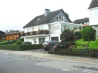 Ferienwohnungen Graf - SORGENFREI BUCHEN* Blick auf das Haus in dem sich die beiden Ferie...