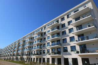 R: Haus Neues Prora 503 mit Meerblick, Dachterrasse, Sauna Objektansicht hinten