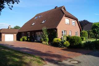 Ferienwohnung OG, Hooge Loogen 35212 Hausauffahrt