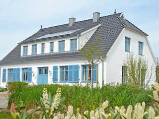 Dat Dörphus am Bodden WG 1 mit Terrasse + Westseite Dat Dörphus am Bodden in Groß Zicker Hausansicht