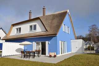 Reetdachhaus Wiekhus am Breeger Bodden Unterkunft und Terrasse