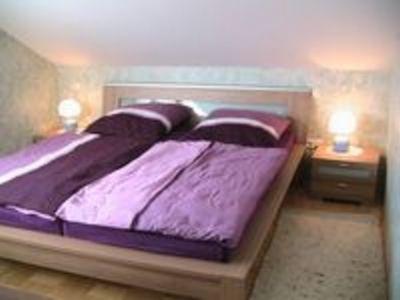 behagliches, modernes Schlafzimmer