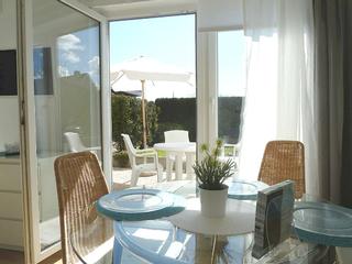 Haus Gloria Essbereich mit Blick auf die Terrasse