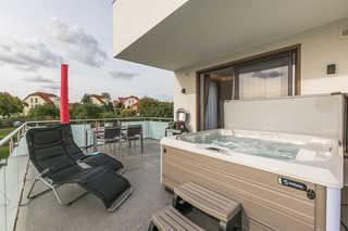 Luxus-SPA-OG-Fewo DREAMTIME (WE 3) Balkon mit Außenwhirlpool