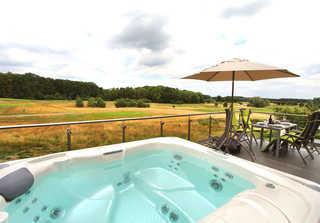 Luxus-OG-Fewo TEE VIEW Eigener Außenwhirlpool auf dem Balkon