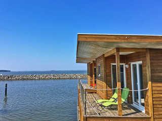 FLOATING HOUSES Classic - Schwimmende Ferienhäuser Barth Logenplätze an Oberdeck