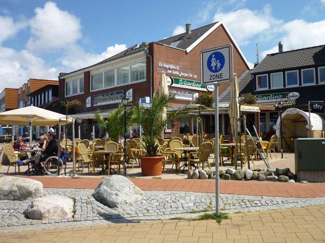 Strandpromenade von Sahlenburg