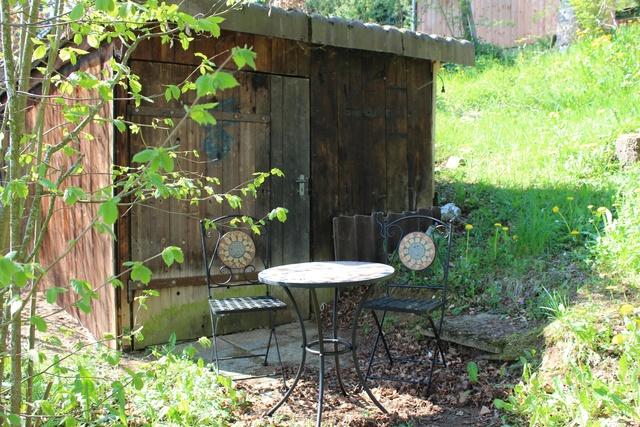 stiller Platz an der Gartenhütte