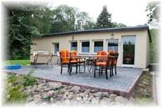 Ferienhaus mit Kamin / Sauna und Wirlpool Hausansicht