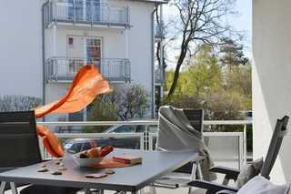 Morgenrot großer Balkon mit Gartenmöbeln