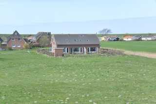 Ferienhaus Herden - SORGENFREIES REISEN* Die Wohneinheiten mit dem Garten und den Terrassen