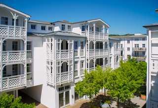 Ferienappartement für 2 Feriengäste mit Balkon Aussenansicht der Wohnanlage. Seepark Sellin