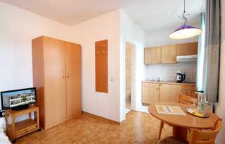 Ferienwohnung 202RB5, Villa Hans Küche +Essbereich