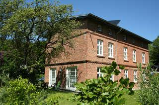 Eisenbahnerhaus in Klausdorf Außenansicht