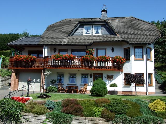 Ferienwohnung Winterberg, Haus Dorothee Sommeransicht Haus Dorothee