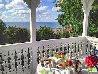 Sassnitz - Ferienwohnungen in Bädervilla mit Ostseeblick Blick vom Balkon auf die Ostsee