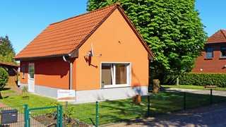 Müritzurlaub an der Kastanie in Sembzin Außenansicht des Ferienhauses
