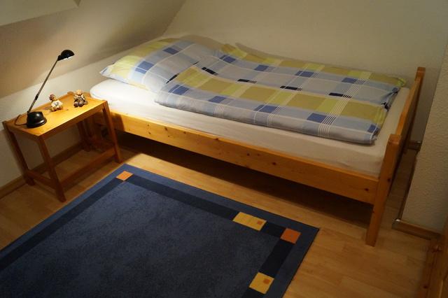 Das Einzelbettschlafzimmer im Obergeschoss