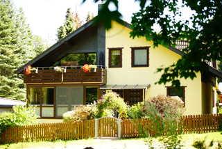 4 Personen Ferienwohnung im Wald mit Kamin, 84m², 3 Zimmer unser Ferienhaus inmitten der Natur