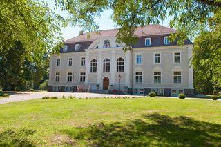 Schloss Zinzow Hausansicht