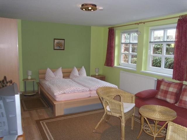 Wohn- Schlafzimmer 1