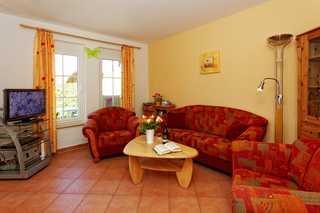 ZKA_Ferienhaus Am Eikboom - DHH01 Wohnzimmer