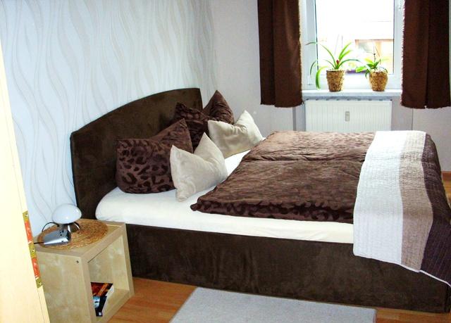 Schlafzimmer Bett 200x180