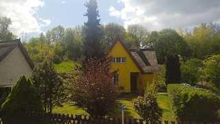 Reetdachhaus Juhnke 120qm im Grünen mit 2 Schlafräumen Außenansicht