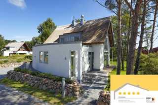 Karlshagen - Lotsenstieg 04 (5*) Das Strandhaus von außen