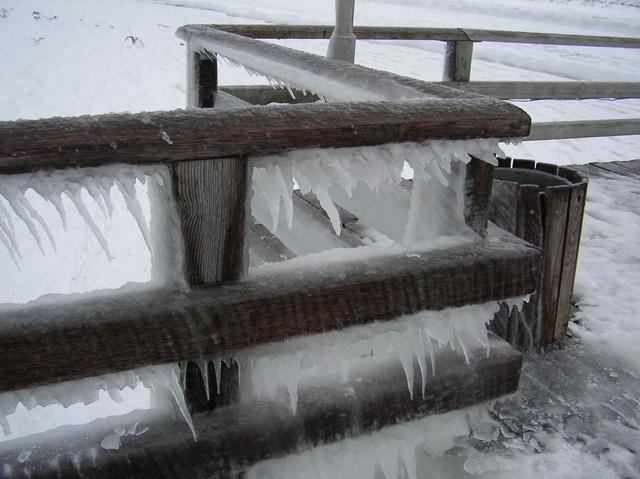 Eis an der Seebrücke
