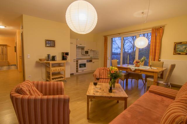 Wohnzimmer, Eßecke Whg 4 Seeadler