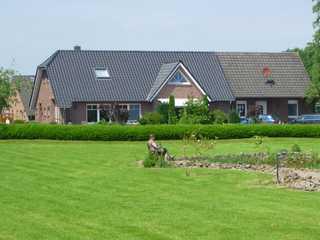 Ferienwohnung EG/OG, Birken-Allee 35181 Fewo Birken-Allee